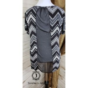 RuJuJu Tops - RuJuJu Black and White Sheer Back Tunic